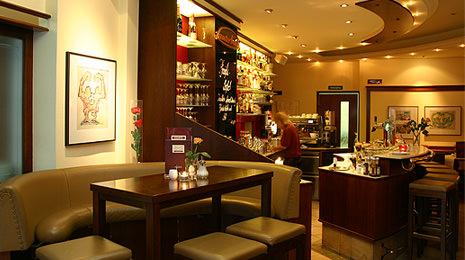 Kaffee- und Weinspezialitäten im Café Lauterbach in Cottbus